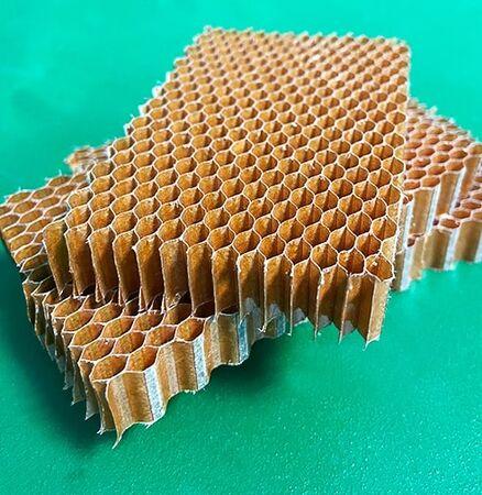 Nomex Honeycomb T:1,5mm C:3,2mm-29kg/m3 115cmx250cm